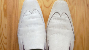 [:ja]【白い革靴をきれいにする方法】[:en]【The way to clean white leather shoes】[:zh]【弄乾淨白的皮鞋的方法】[:]